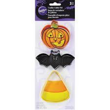 halloween cookie cutters halloween favorites cookie cutter set wilton