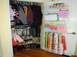 Small Bedroom Organization by 1600x1200 Bedroom Organization Ideas For Small Bedrooms Amusing