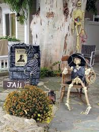 15 spooktacular outdoor halloween decorations jpg 60 best work decor images on pinterest cubicle ideas cubicle
