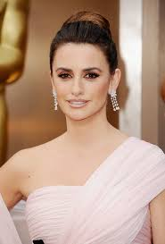 penelope cruz hair and makeup at oscars 2016