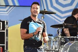 luke bryan to perform at dallas cowboys thanksgiving