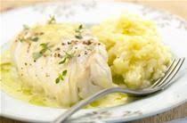 cuisiner dos de cabillaud poele dos de cabillaud à la poêle 1 recettes de dos de cabillaud à la