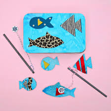 make a magnetic fishing game using phoomph and fabric scraps