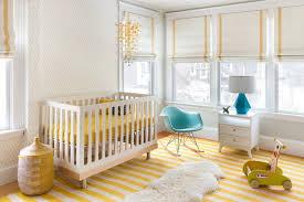 chambre bebe couleur chambre bébé blanche décorée de couleurs 50 idées
