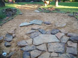 How To Lay Flagstone Patio Installing A Flagstone Patio Outdoor Living Patios Outdoor Fun