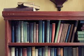 Paperback Bookshelves How To Decorate A Bookshelf 8 Expert Tricks Reader U0027s Digest