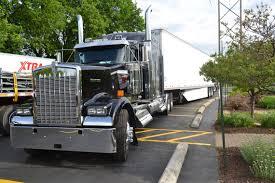 trucker to trucker kenworth photo gallery kenworth offers 3 000 rebate on icon 900