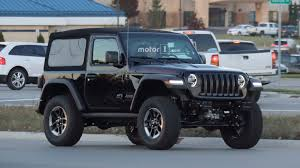 car jeep wrangler entire 2018 jeep wrangler lineup photographed on road 40 images