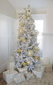 gold christmasee silver white and tinsel garland