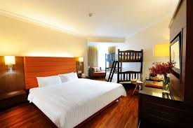 Amazing Hotel Family Room Hotels With Family Rooms Marceladick - Hotel with family room