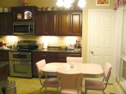 what of paint do you use on formica cabinets painting a formica tabletop thriftyfun