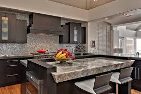 cuisine avec comptoir comptoir cuisine moderne et insolite quels sont les matériaux