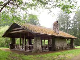 covered outdoor picnic shelter silver falls st park oregon
