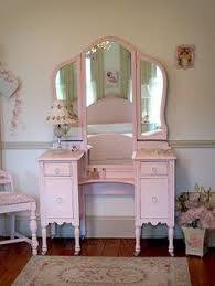 Mirrored Vanity Table Furniture Old And Vintage Wooden Makeup Vanity Table With 3 Fold