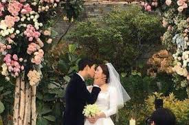 wedding dress song descendants of the sun song hye kyo and song joong ki wed