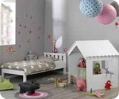 cabane enfant chambre découvrez le lit enfant cabane swam blanc mobilier écologique