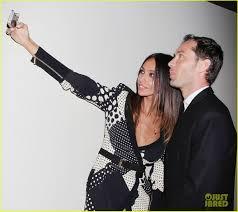 jude law u0026 madalina ghenea take a selfie at u0027dom hemingway u0027 nyc