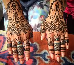 100 henna tattoo on hand what is henna and is it safe for