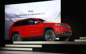 jeep trailhawk 2016 2017 jeep grand cherokee trailhawk and updated summit launch in