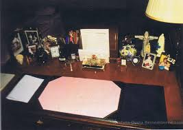 diana u0027s desk http www princess diana remembered com uploads 5 3