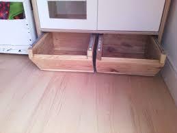 mini cuisine enfant création de tiroirs de rangement sous mini cuisine duktig