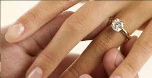 verlobungsring tragen wie wählt einen verlobungsring baunat