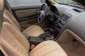 Nissan Maxima 2005 Interior 2000 04 Nissan Maxima Consumer Guide Auto