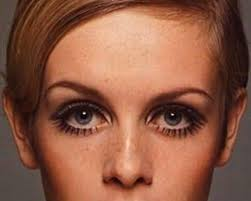 twiggy hairstyle iconic hairstyles of the last 100 years