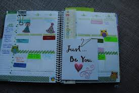 your own planner my erin condren planner busybeekyla this is what a week looks