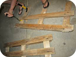 How To Make A Table Out Of Pallets Diy How To Make An American Flag Out Of A Wood Pallet Step By