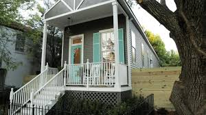 Home Designer Pro Square Footage Hgtv U0027s Small House Big Easy Stylish New Orleans Living In 1000