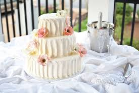 wedding cake icing yellow wedding cake foundry park inn weddings s