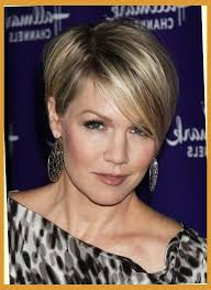 celebrity inspired short hairstyles for women over 40 jennie garth