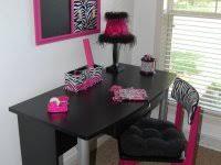 unique zebra print wall decor bedroom decorating ideas pink room