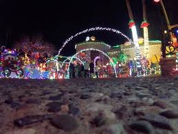christmas light displays in phoenix the great christmas light fight 2 arizona homes to be featured on