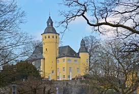 Kfz Zulassungsstelle Bad Homburg Oberbergischer Kreis Mittelalterliches Markttreiben Auf Schloss