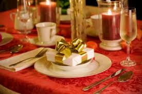 christmas dinner table setting christmas table settings lovetoknow