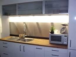 plaque aluminium cuisine plaque murale inox cuisine la cracdence de cuisine avec du