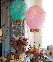 centre de table mariage fait maison centre de table mariage des montgolfières invitent au à des