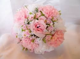 wedding flowers pink 15 flowers in season in december for wedding everafterguide