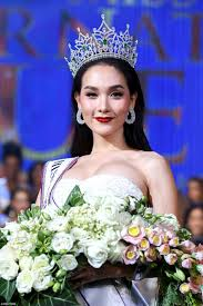 lexus amanda no makeup thai model 20 is crowned transgender beauty queen daily mail