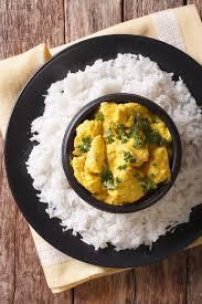 cuisine indienne riz cuisine indienne poulet de korma en sauce à noix de coco et riz
