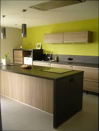 couleur murs cuisine quelle couleur de peinture pour une cuisine great credence avec