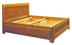 des lits sp礬ciaux en bois massif pour am礬nager votre espace