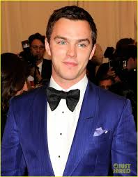 nicholas hoult met ball 2013 red carpet photo 2865811 2013