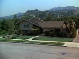 the real brady bunch house los angeles california the brady bunch house by stay curious findery