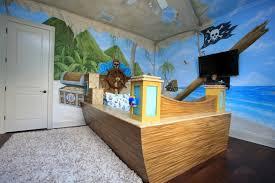 chambre garcon pirate décoration de chambre enfant 25 plafonds inoubliables chambre