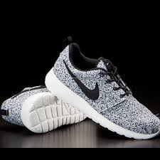Nike Oreo nike shoes found roshe speckle oreo cookies poshmark