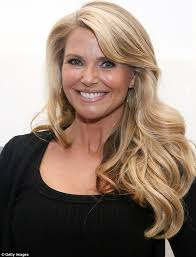 young looking haircut still loves her jazz hands ageless christie brinkley 59 shows
