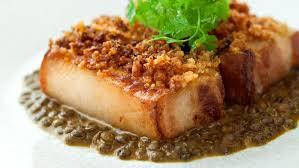 cuisiner poitrine de porc recette poitrine de porc pochée aux lentilles auchan et moi